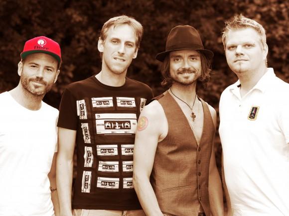 """Lanny Isis und Band im """"Lido"""" am Friedelstrand in Klagenfurt. Foto: kultur-arbeiter.at"""