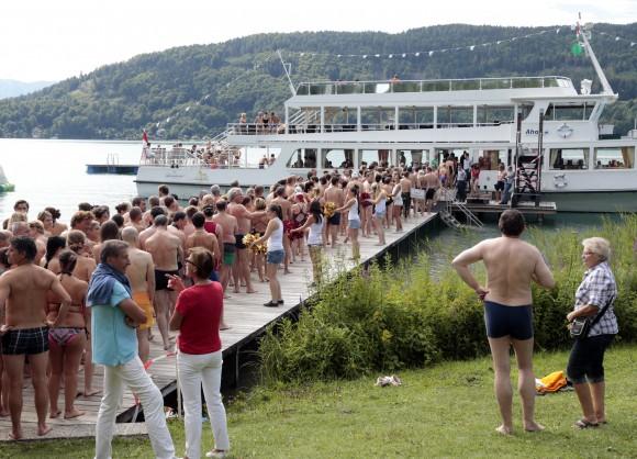 """Wörthersee-Überquerung """"Schwimmen statt Baden"""". Foto: LPD/Eggenberger"""