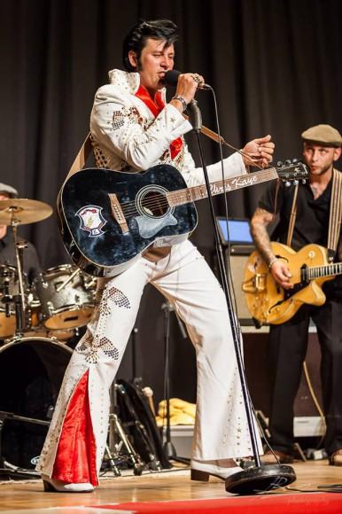 Chris Kaye ist Elvis!