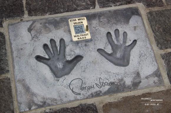 Wie schon einige vor ihm, wird sich auch Andreas Gabalier mit seinen Handabdrücken auf der Starmeile von Velden verewigen. Foto: pixelpoint
