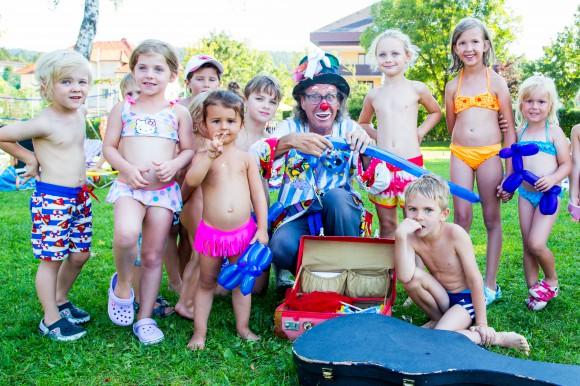 Clown Wuascht auf  Familienreise. Foto: pixelpoint