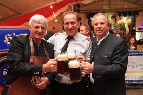 Bieranstich beim Oktoberfest in Krumpendorf am Wörthersee.