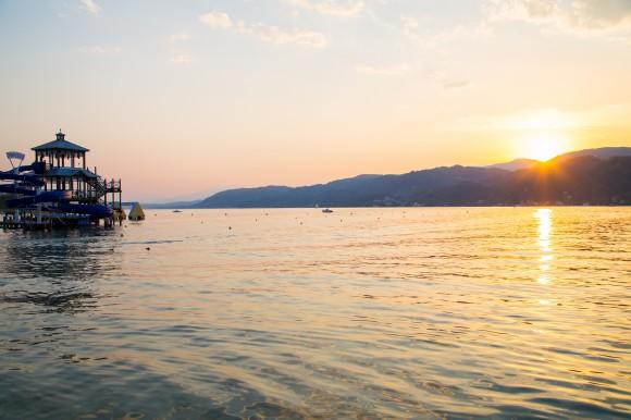 Diesen Sonnenuntergang gibt es im Jilly Beach zum kulinarischen Angebot dazu. Foto: pixelpoint/Handler